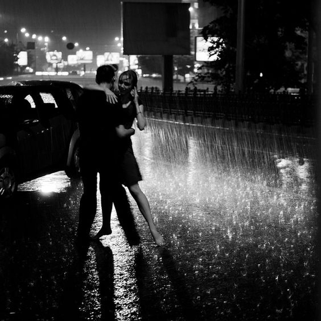 Cute Romantic Couples Black And White Photography In Rain ...Old Black And White Romantic Photos
